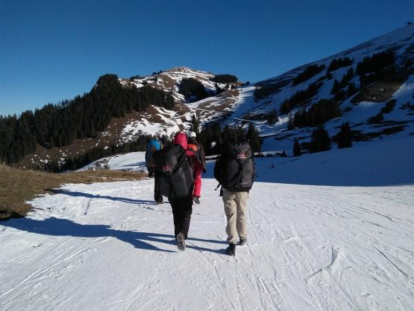 laufen zum Startplatz Schwarzsee